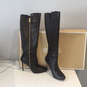 Michael kors brown boots 6 1/2 M